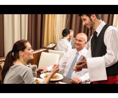 Требуются официанты в кафе Remizovka!