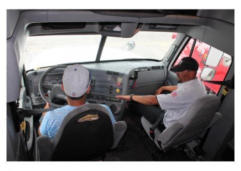 Водитель на габаритную грузовую автомашину